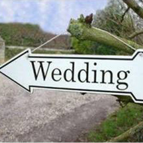 Metal wedding arrow sign